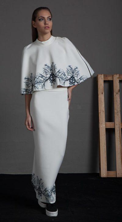 Falda larga de tubo estamapdo de ramas