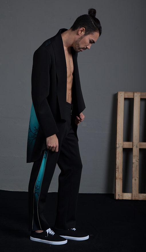 Pantalón con detalle de cremallera lateral